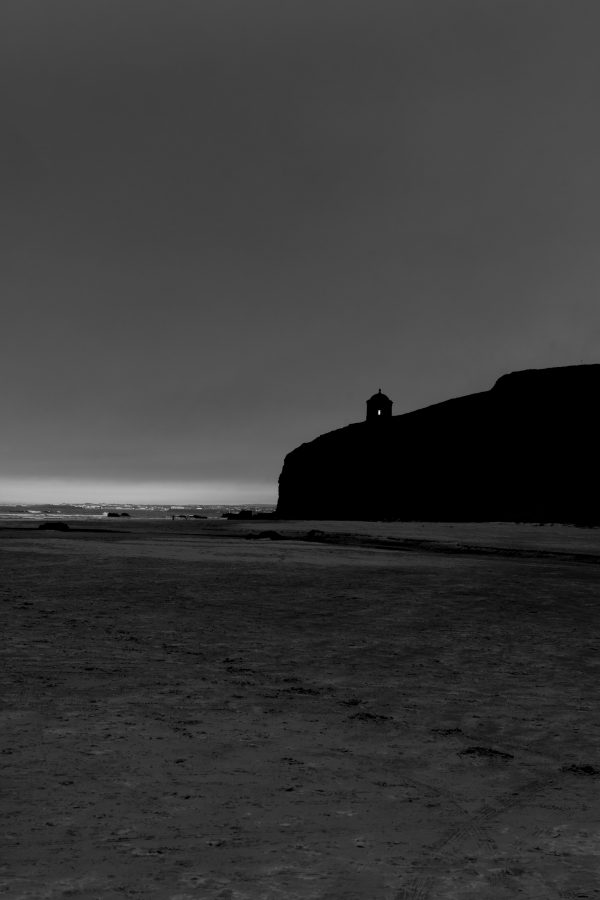 downhill beach mussenden temple black and white image